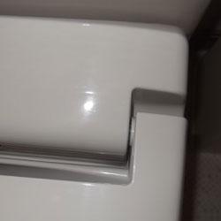 トイレのフタ 清掃